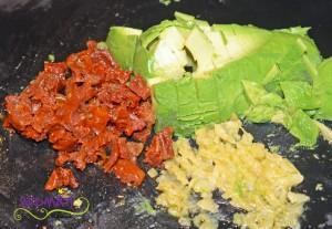 Poulet mit Avocado masse