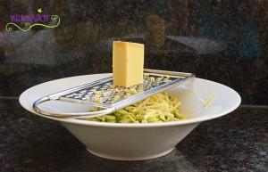 Zucchetti Käse Salat käse raffeln