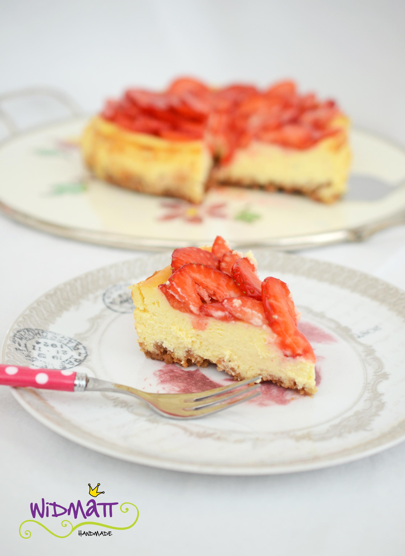 cheesecake mit erdbeeren und amaretti widmattwidmatt. Black Bedroom Furniture Sets. Home Design Ideas