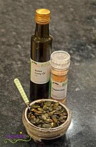 widmatt.ch Kürbissuppe mit Curry Öl und Galgant Salz
