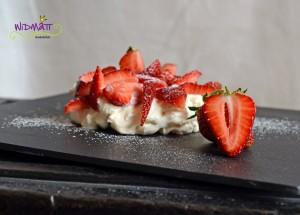 © widmatt.ch Pavlova mit Erdbeeren