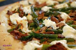 © widfmatt.ch Pizza mit Spargel u Pulled Pork